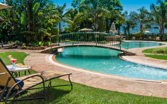 Swaziland - The Royal Villas Hotel - Zwembad